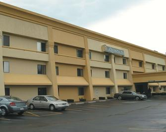 La Quinta Inn & Suites by Wyndham Jackson - Джексон - Building