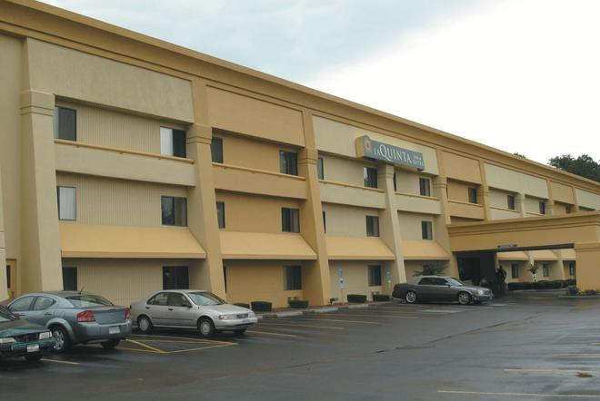 La Quinta Inn & Suites by Wyndham Jackson - Jackson - Κτίριο