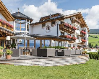 Hotel Lärchenhof - Rio di Pusteria - Gebouw