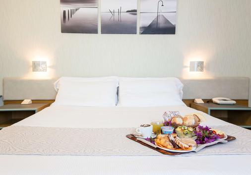 Best Western Hotel Residence Italia - Quartu Sant'Elena - Schlafzimmer