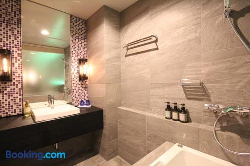 Quintessa Hotel Sapporo - Sapporo - Bathroom