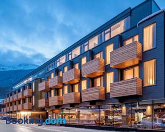 die berge lifestyle-hotel sölden - Зельден - Building