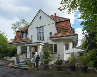 Hotel Villa Meererbusch - Meerbusch - Building
