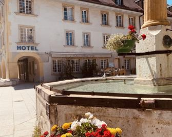 Swiss Hotel La Couronne - Avenches - Building