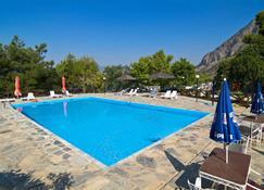Bungalow - Camping Apollon - Delphi - Piscina