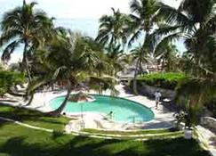 Coral Sands Hotel - Dunmore Town - Pool