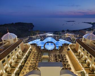 Litore Resort Hotel & Spa - Okurcalar - Zwembad
