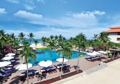 峴港富麗華大酒店 - 峴港 - 游泳池