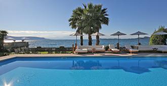 Villa Capri - Gardone Riviera - Pool