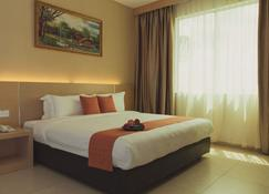 Paragon Lutong Hotel - Miri - Quarto