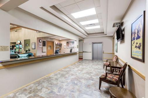 Travelodge Inn & Suites by Wyndham Deadwood - Deadwood - Hành lang