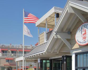 Montreal Beach Resort - Cape May - Building