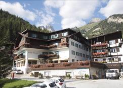 Sport Hotel Enrosadira - Campitello di Fassa - Edificio