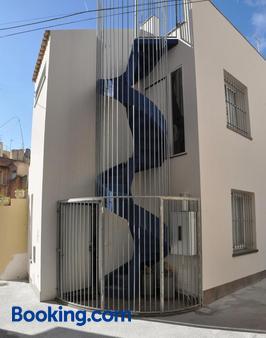 Anita & Garibaldi - Marsala - Building