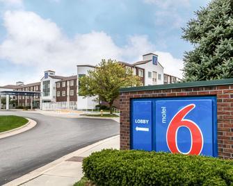 Motel 6 Des Moines West - West Des Moines - Building