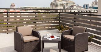 Continental Hotel - אודסה - סלון