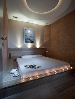 Continental Business Hotel - Odessa - Bathroom