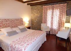 Hotel Los Arcos - Aínsa - Sypialnia