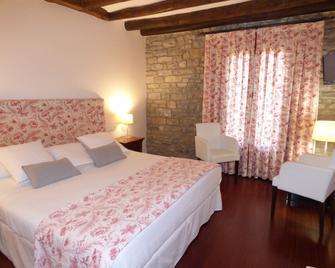 Hotel Los Arcos - Aínsa - Bedroom