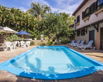 Feiticeira Praia Hotel - Ilhabela - Pool