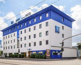 Ibis budget Saarbrücken Ost - Saarbruecken - Building