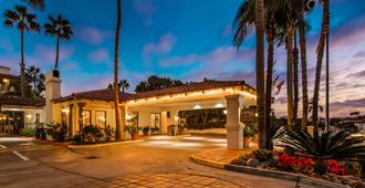 Best Western PLUS Hacienda Hotel Old Town - San Diego - Building