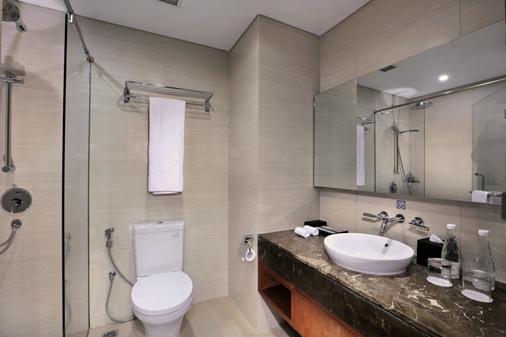 Aston Sentul Resort & Conference Center - Babakan Madang - Bad