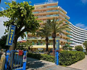 Hotel Antares - San Benedetto del Tronto - Building