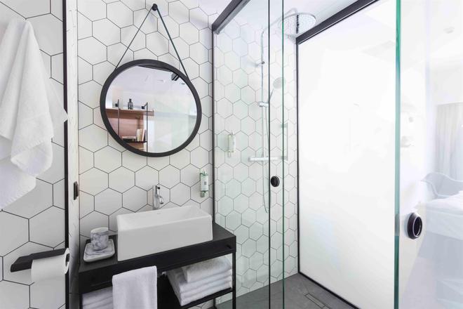 Puro Poznan Stare Miasto - Poznan - Bathroom