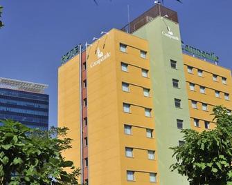 Hotel Campanile Madrid - Alcalá de Henares - Alcalá de Henares - Rakennus