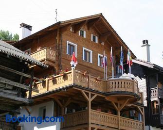 B&B Café de la Poste - Sion - Building