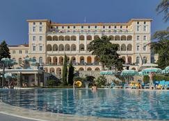 Hotel Kvarner Palace - Cirquenizza - Edificio