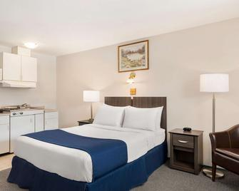 Travelodge by Wyndham McBride - McBride - Bedroom