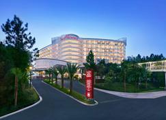 โรงแรมและศูนย์การประชุม ดิ อะลานา เซนตุลซิตี้ บาย แอสตัน - โบกอร์ - อาคาร
