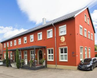 Hotel-Restaurant Löwen - Rust - Gebouw