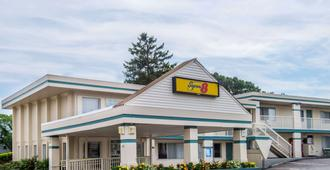 Super 8 by Wyndham W Yarmouth Hyannis/Cape Cod - West Yarmouth - Rakennus
