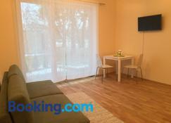 Fortuuna 5 Apartment - Tartu - Oturma odası