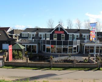 Hotel 't Klokje - Renesse - Building
