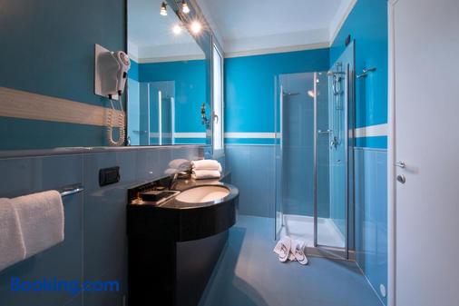 CDH My One Hotel La Spezia - La Spezia - Bathroom