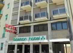 Boston Hotel - Livorno - Building