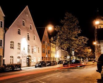 Blaue Traube - Restaurant Hotel - Schongau - Gebouw