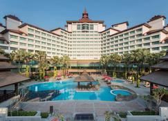 Sedona Hotel Yangon - Yangon - Pool