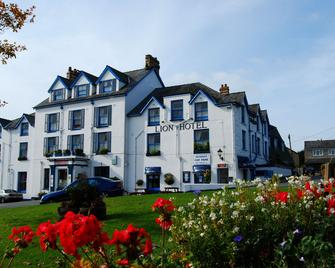 The Lion Hotel - Criccieth - Building