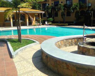 Hotel Molina - La Ceiba - Pool
