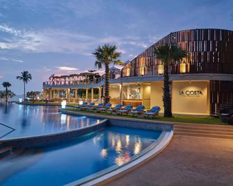 Mövenpick Siam Hotel Na Jomtien Pattaya - Pattaya - Building