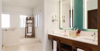 Hilton Playa Del Carmen Adult Only Resort - Playa del Carmen - Bathroom