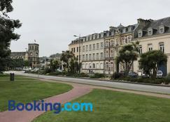 Hotel Le Cercle - Cherbourg-Octeville - Rakennus