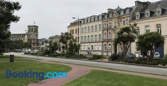 Hotel Le Cercle - Cherbourg-Octeville - Building