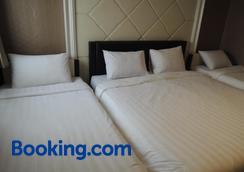 Hotel 55 - North Jakarta - Bedroom