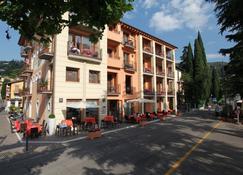 Hotel Lido - Torri Del Benaco - Näkymät ulkona